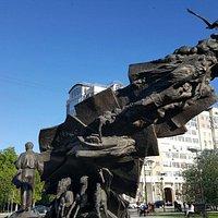 Памятник Мустаю Кариму
