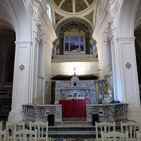 l'interno di San Gennaro all'Olmo
