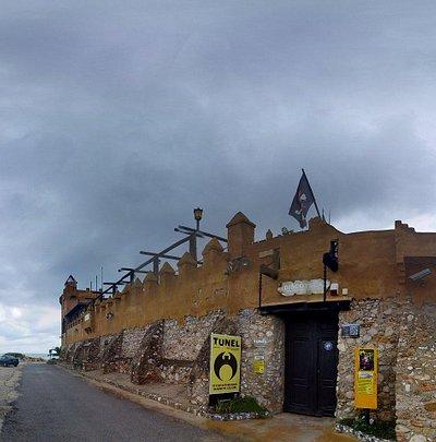 fachada almacenes (discotunel)
