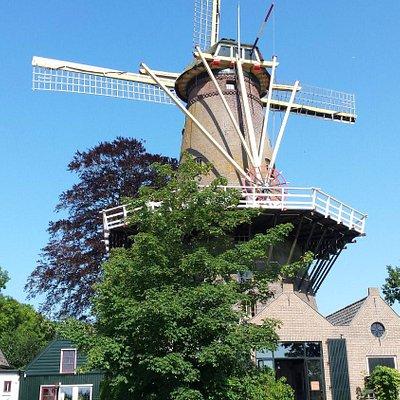 Een oude windmolen in Loosdrecht