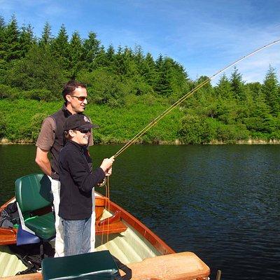 Pêche en famille sur le lac du Drennec