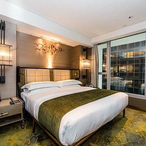 The Deluxe Room at The Landmark Mandarin Oriental, Hong Kong