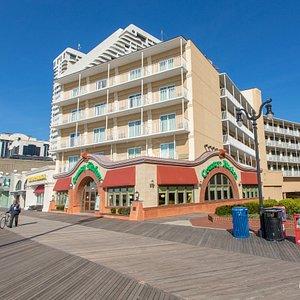 Street at the Days Inn Atlantic City OceanFront