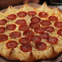 Local agradável, forno a lenha e pizzas maravilhosas