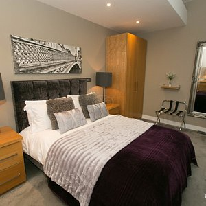 The Luxury One Bedroom Apartment at the Residence 6