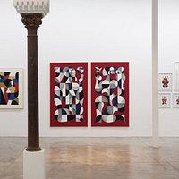 Foto de la exposición de la galería de arte Delimbo. Las obras son del artista Francés Remed.