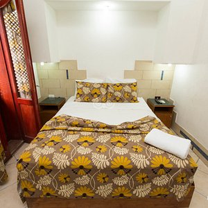 The Single Room at the Golden Hotel