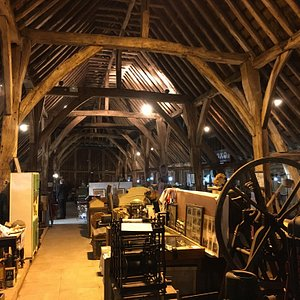 Exterior and interior of the barn (14/5/16)