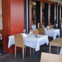 Restaurant und Wintergarten mit Aussicht auf den Bodensee