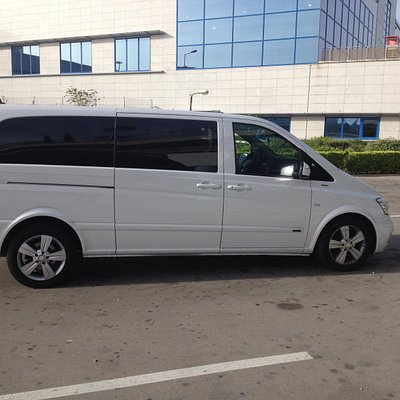 Mercedes Viano Limo Mini-Van