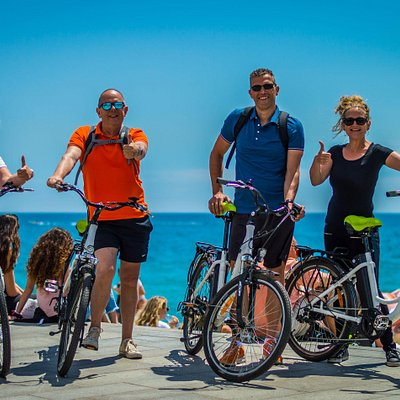 Having fun with Photo Bike Tour Barcelona !