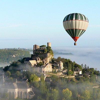 vol en montgolfière sur Turenne en Corrèze