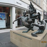 Sporting Success in Leicester, Gallowtree Gate statue extra  relevant in 2016