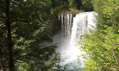near the cabins Sahalie Falls