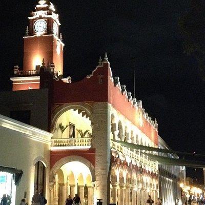 Vista de noche Palacio Municipal
