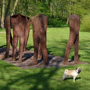 """""""Walkers"""" by Magdalena Abakanowicz (and pug)"""