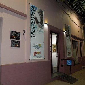Entrada del Museo Histórico de Colón en calle 12 de Abril 461