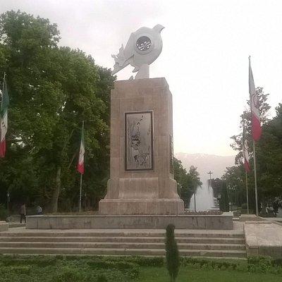 Скульптура Голубь Мира