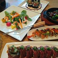 寿司ダイニング  ノブです。  アメリカンなロール寿司をどうぞ堪能してください。  ご来店を心よりお待ちしております