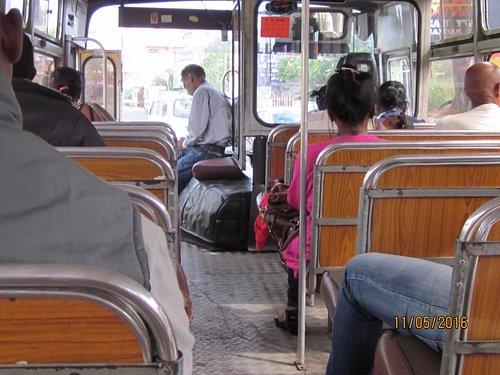 Vive les Bus Mauritiens, pas chers et plein de rencontres et conseils