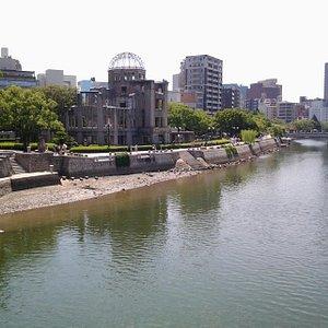 Aioi Bridge e panorami verso fiume e bomb dome