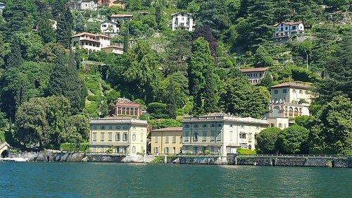 Villa Olmo desde el agua