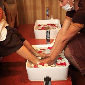 Foot Spa and Foot Reflexology