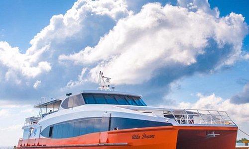 Our new ferry Utila Dream.