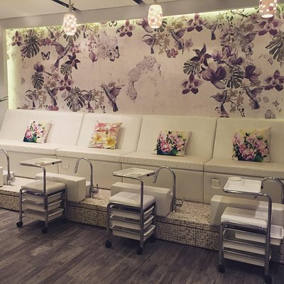 Lilies Nails Spa