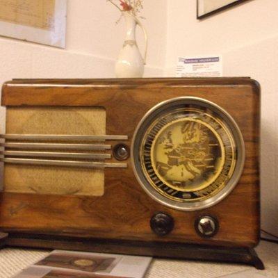 Ausstellungsstücke im Radiomuseum.