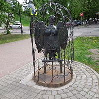 Памятник птице Сирин
