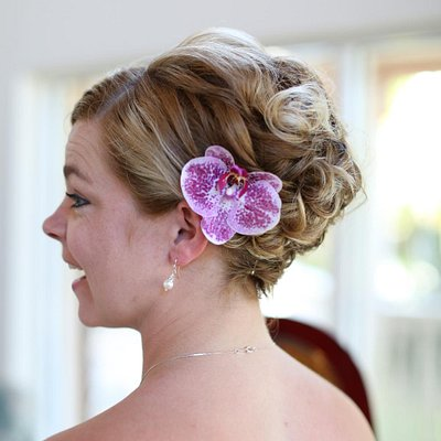 Bridesmaid beachy up do with shorter hair by Michelle