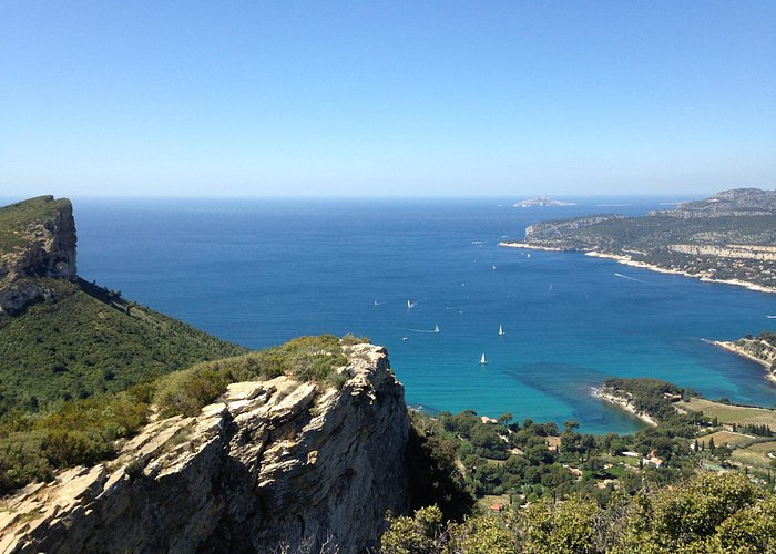 A viewpoint from a cliff above the fisherman village of Cassis.