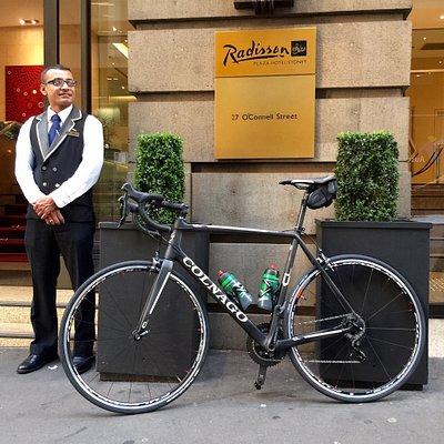 Livelo road bike delivered to concierge staff at Sydney Hotel