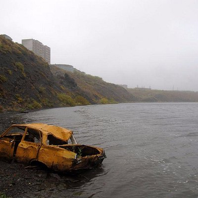 Река Воркута между городом и поселком Рудник
