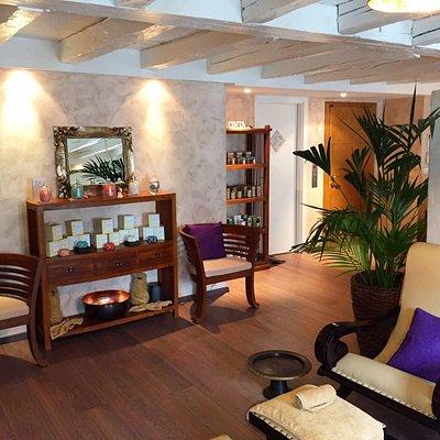 Uluwatu - Reflexology treatment area & boutique