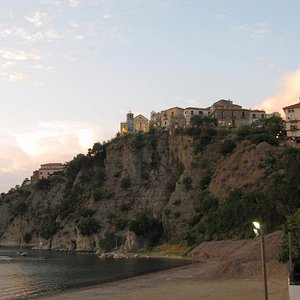 Vista della chiesa dalla spiaggia