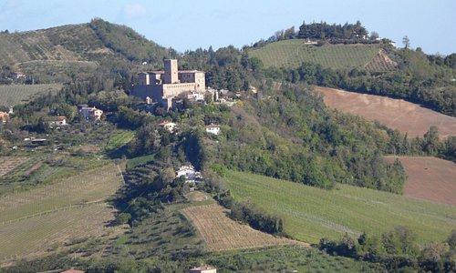 Vista del castello di Sorrivoli