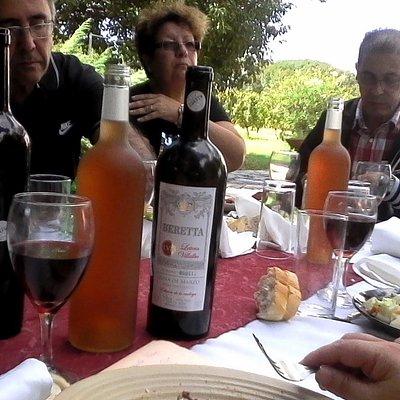 Reunidos a la mesa en Beretta