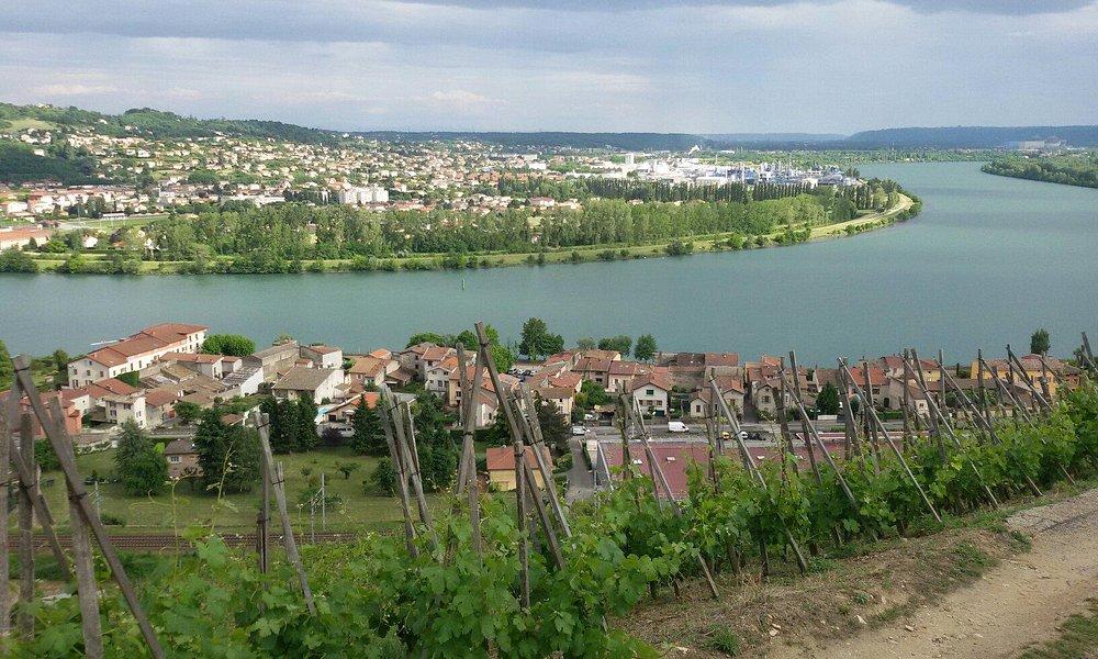 Vue sur St  Clair du Rhône
