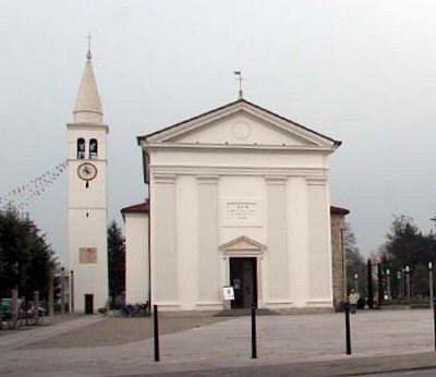 facciata principale su piazza Marconi