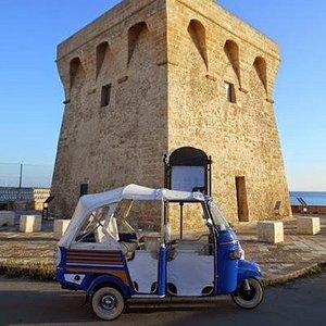 gallipoli tour in apecar torre san giovanni costa mare