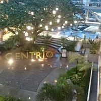 A busy Sunday night at Centrio Mall.