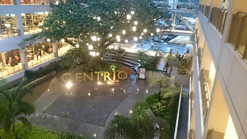 A busy Sunday night at Centrio Mall.