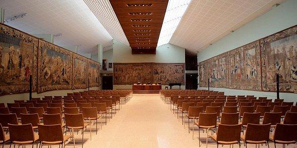 Sala Arazzi della Galleria Alberoni