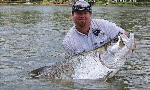 Pesca deportiva de Sabalo en Rio San Juan, Nicaragua
