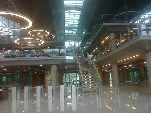 Imagen del edificio por dentro