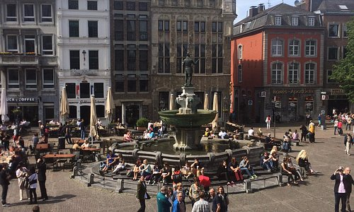 Fonte na praça