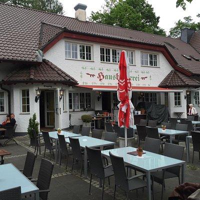 Tolles Freibad, schöne Wanderungen und danach gute Deutsche Küche ...