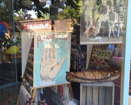 Cartolina- Wonderful Store